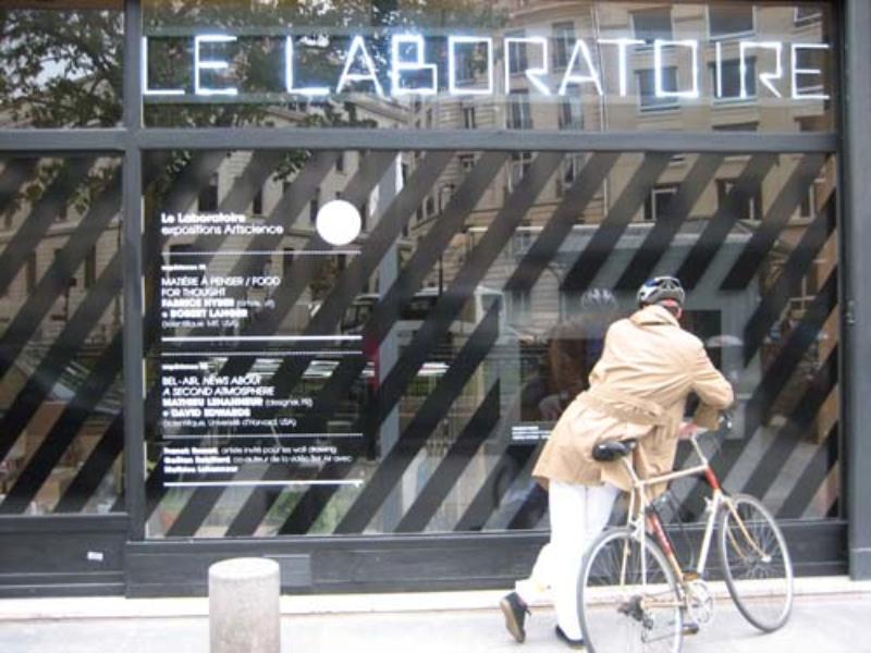December 2007,  Le Laboratoire